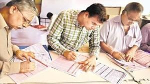 The fake notification claims that on the basis of representation from various stakeholders, the income tax department has extended the due date of filing ITR.(Mint Photo)