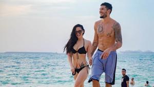 Krishna Shroff with boyfriend Eban Hayms on the beach.