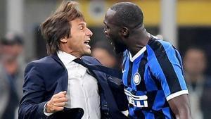 Inter Milan's Romelu Lukaku celebrates scoring their second goal with coach Antonio Conte.(REUTERS)
