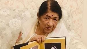 Lata Mangeshkar debuts on Instagram, see her first pic here