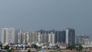 Housing sales stood at 67,140 units in the year-ago period across seven cities. Housing sales demand was low by 13 per cent in the national capital region at 9,830 units.(Parveen Kumar/Hindustan Times)