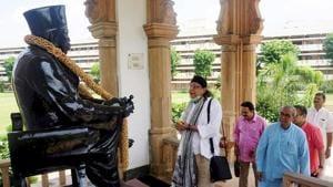 Nagpur: Bollywood veteran actor Mithun Chakraborty pays tribute to Rashtriya Swayamsevak Sangh (RSS) leader K B Hedgewar during a visit to RSS headquarters in Nagpur, Maharashtra.(PTI Photo)