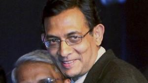 In this Jan 4, 2010 file photo Abhijit Banerjee receives the Infosys Prize 2009 in Social Science (Economics Category) during a ceremony in New Delhi.(File photo:PTI)