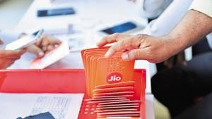 In its move to charge customers for the first time since its launch, Jio has put the enitre blame on incumbents and the TRAI.(Aniruddha Chowdhury/Mint)