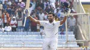 'Thug life':VVSLaxman accurately predicted Rohit Sharma's score - Watch