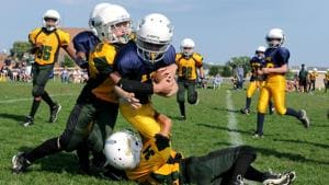 Playing sports may reduce mental health issues in adults