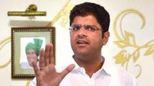 Long before Dushyant Chautala hit the headlines as the potential kingmaker in Haryana after a hung assembly emerged from the October 21 assembly elections, he was known as an ideal lawmaker.(PTI)