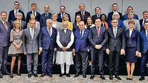 PM Narendra Modi with members of the European Parliament in New Delhi on Monday.(Reuters)