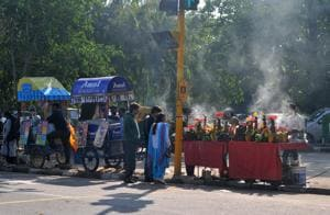 MC commissioner KK Yadav said the process to shift vendors will begin on November 5(HT PHOTO)