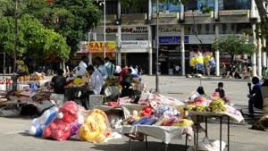 Registered vendors in the Sector 17 Plaza and Shastri Market in Sector 22 are to be rehabilitated at the Sector 15 site.(HT Photo)