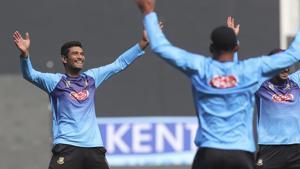 Bangladesh captain Mahmudullah warms up during a practice session.(AP)