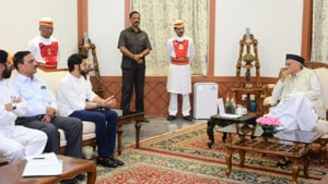 Maharashtra may be moving towards President's rule:Experts