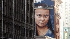 Greta Thunberg's 60-foot tall, 30-foot wide (18-by-9 meter) mural was created by Argentine street artist Andres Petreselli.(Twitter/@BarakaMounira)