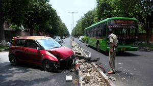 As per the report released by the ministry of road transport and highways for 50 million-plus (having population over 10 lakh) cities, total number of accidents that took place in Chandigarh in 2018 was 316. The report places Chennai on the top spot with 7,580 accidents last year.(HT File)