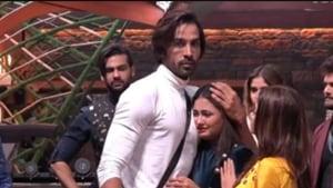 Arhaan Khan is present with Rashami Desai in Bigg Boss 13 house.