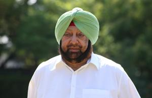 Punjab Chief minister Captain Amarinder will meet Prime Minister Narendra Modi and urge him to take up the issue of passport for visiting the Kartarpur Sahib with Pakistan.(Sanjeev Sharma/HT PHoto)