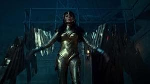 Wonder Woman finally appears in a gold bodysuit to fight Cheetah in Wonder Woman 1984.