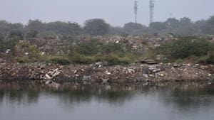 Remove abandoned vehicles, garbage from Udyog Vihar or face prosecution, MCG told