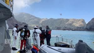 Police divers prepare to search the waters near White Island off the coast of Whakatane, New Zealand, Saturday Dec. 14, 2019.(AP)