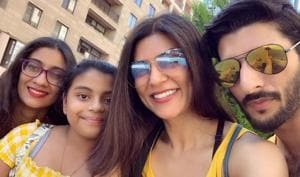 Sushmita Sen brought in Christmas with her boyfriend Rohman Shawl and daughters Renee and Alisah.