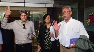 Former India captain Kapil Dev along with Anshuman Gaekwad and Shantha Rangaswamy(PTI)