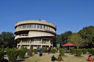 Now, Panjab University employees can use private airlines for official trips
