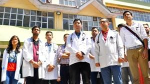 Medical students and doctors(HT file)