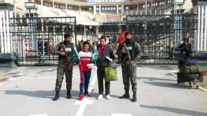 The BSF officials handed over the duo to the Pakistan Rangers at the zero line around 1.30pm.(HT photo)