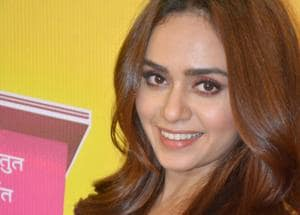It was so difficult to keep a straight face on set: Amruta