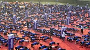 New Guinness World Record created as 2471 people hold plank position
