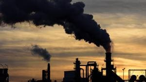 The West Bengal Pollution Control Board (WBPCB) signed a memorandum of understanding with scientists from CERCA in IIT-Delhi earlier this week to manage air quality in eight polluted cities in the state, including Kolkata. (Image used for representation).(GETTY IMAGES.)