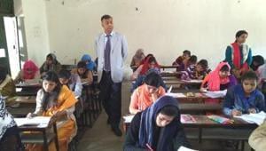 Bihar Board 10th Hindi Exam Tips: Avoid writing long sentences, solve sample papers