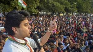Terming the Delhi poll results as disappointing, Scindia told reporters at Prithvipur in Madhya Pradesh the Congress needs to reinvent itself with a new ideology(PTI File Photo)