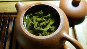 Green tea extract combined with exercise may reduce fatty liver. Here's how