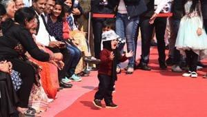 'Little Mufflerman' wins hearts at Kejriwal's swearing-in at Ramlila Maidan