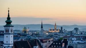 Same-sex couple to waltz into Vienna's history books