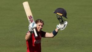 Heather Knight celebrates after scoring her century.(Twitter)