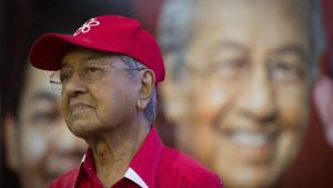 The 94-year-old Mahathir Mohamad resigned as premier and Bersatu chairman in what allies say was a protest of his party's plan to work with the former corrupt regime that he had ousted in 2018 elections.(AP)