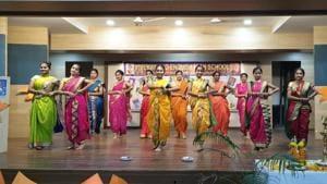 Students of Vivekanand English High School, Kurla perform a folk dance(HT Photo)