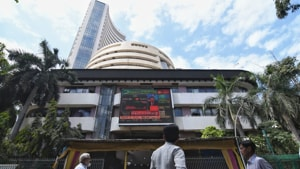 The broader NSE Nifty gave up the 9,600 level, slumping 868.25 points or 8.30 per cent to close at 9,590.15.(HT Photo/Pratik Chorge)