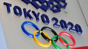 TOPSHOT - The logo for the Tokyo 2020 Olympic Games is seen in Tokyo on March 15, 2020. (Photo by CHARLY TRIBALLEAU / AFP)(AFP)