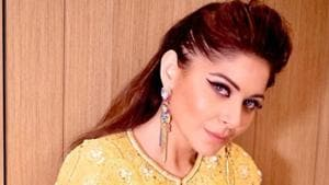 Kanika Kapoor has refuted her father's claims that she went to three lavish parties.