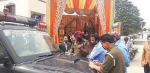 Police officials check a marriage palace in wake of Covid-19 in Jalandhar on Saturday.(Pardeep Pandit/HT Photo)