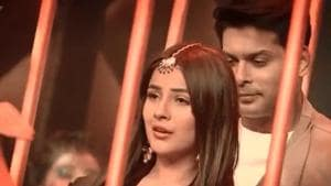 Shehnaaz Gill, Sidharth Shukla pair up for romantic dance number, fans can't get over her expressions. Watch