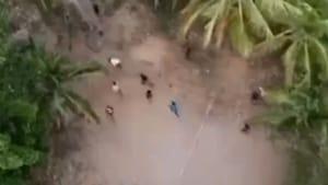 Image taken from drone of people flouting lockdown in Kerala.(Twitter/@TheKeralaPolice)