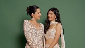 Karisma Kapoor with daughter Samaira.
