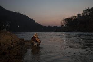 On the banks of the Ganga at Rishikesh.(Xavier Galiana/AFP)