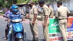 Keonjhar SP Mitrabhanu Mahapatra said he has asked the additional SP to inquire into the matter. Till the probe into the matter is over, the sub-inspector will not be deployed on road patrolling duty. (Image used for representation).(ANI PHOTO.)