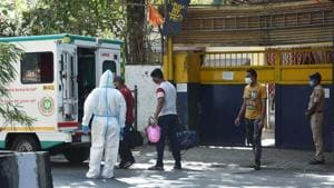 Arthur Road Jail Police staff who was found coronavirus positive being shifted to hospital by Ambulance in Mumbai on Friday.(ANI)