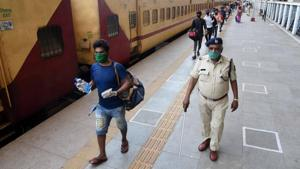Seven more trains- four from Pune and three from Kolhapur- are scheduled to leave carrying 9,368 migrants.(Bachchan Kumar/ HT photo. Representative image)